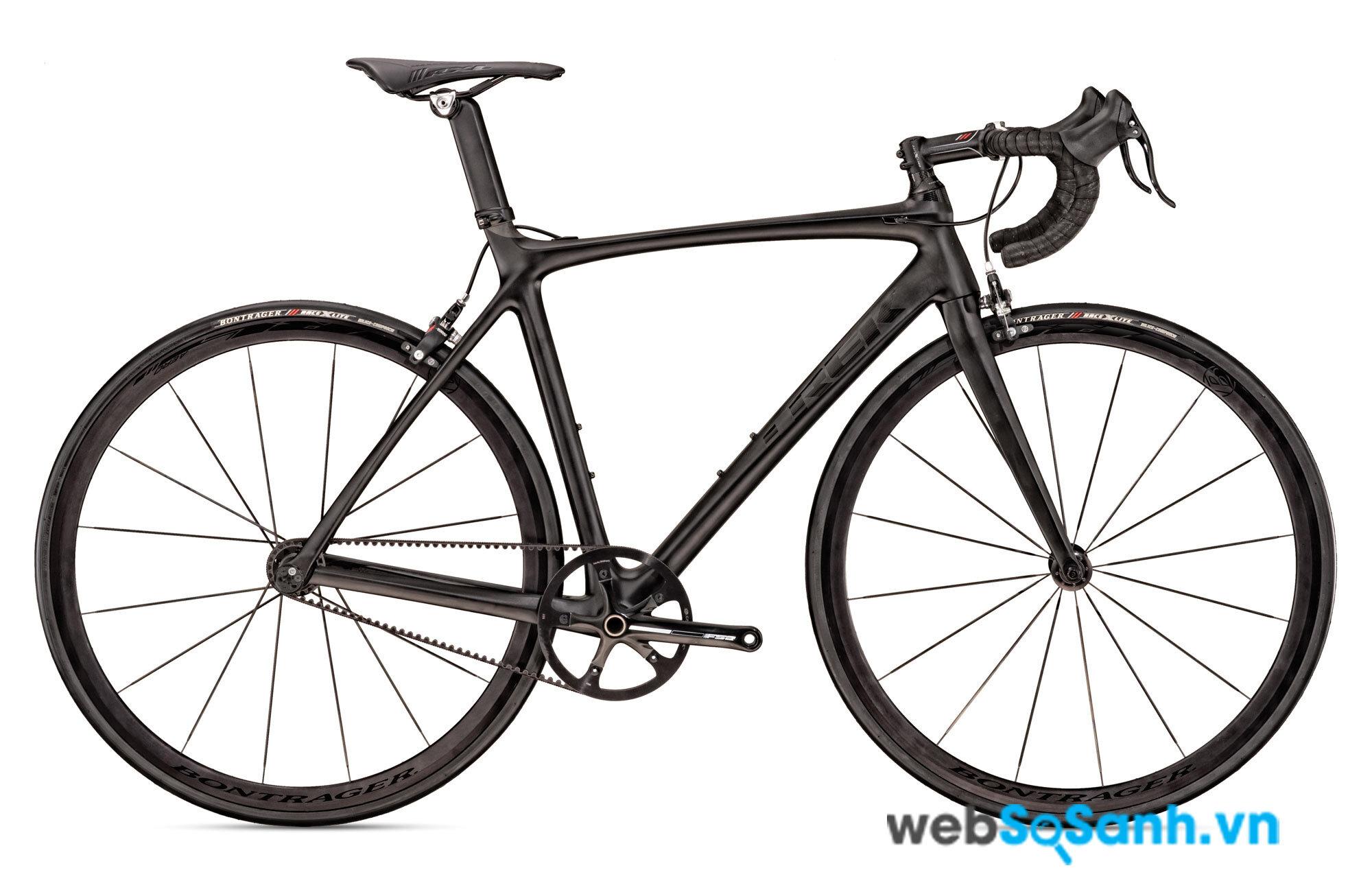 Những chiếc xe đạp khung carbon thường rất nhẹ, có chiếc chỉ 4 - 5 kg
