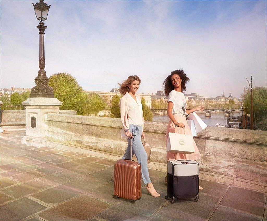 Lựa chọn vali nhựa hay vali vải tùy thuộc vào sở thích và hoàn cảnh sử dụng của bạn