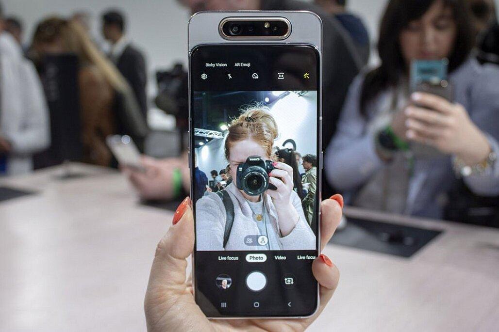 Màn hình hiển thị của Galaxy A80 vô cùng sắc nét