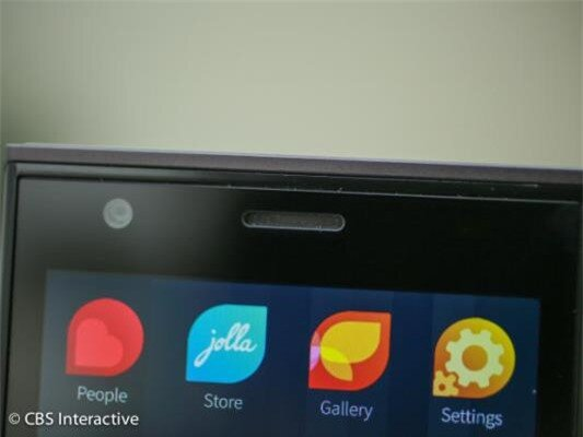 Cận cảnh smartphone đầu tiên chạy hệ điều hành Sailfish OS-image-1385799897230