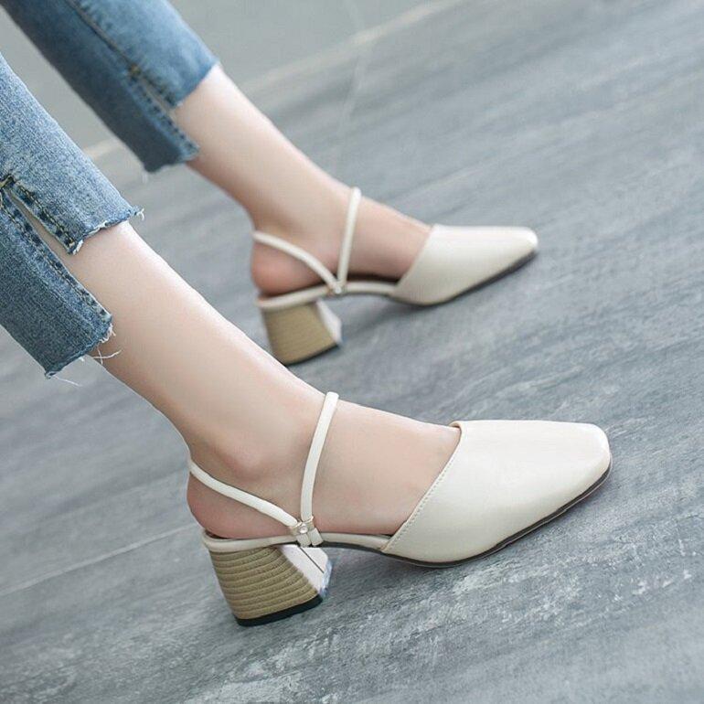 giày búp bê cao gót màu trắng