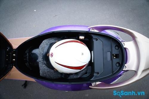 Cốp xe rộng 28 lít
