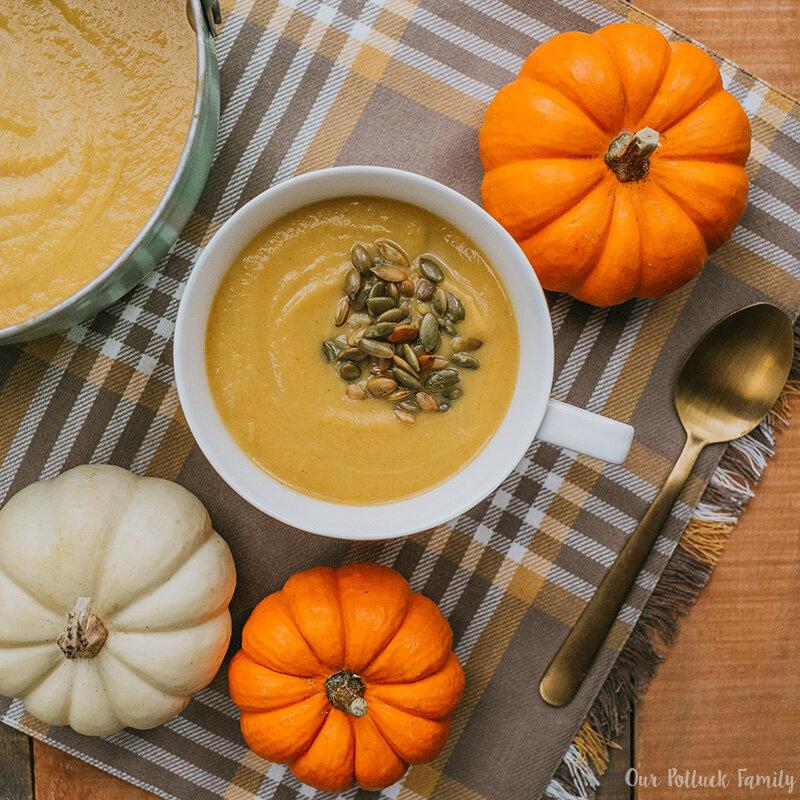 Bí ngô hồ lô thơm, dẻo, dùng để làm súp bí hoặc cháo bí giàu dinh dưỡng cho bé ăn dặm