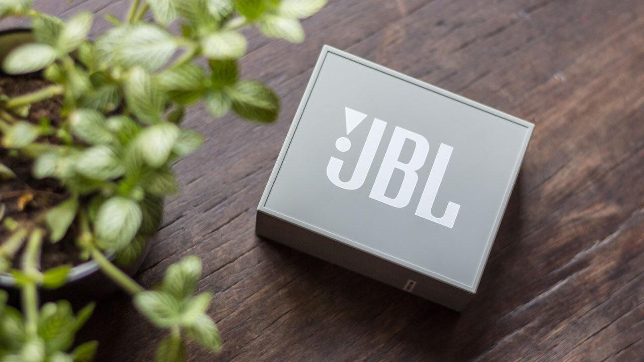 JBL Go2 có thiết kế khá nhỏ gọn (Nguồn: cdn.tgdd.vn)
