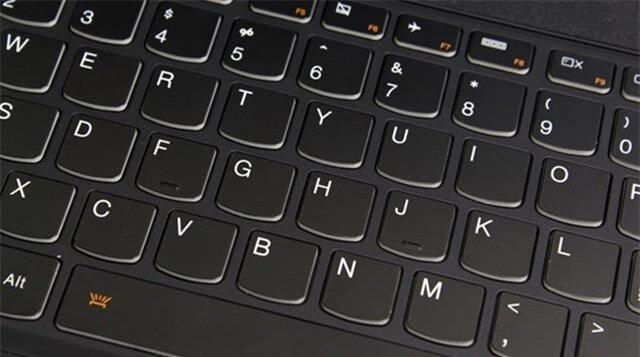 Tùy thích tắt mở đèn nền cho bàn phím