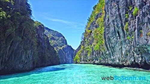 Biển El Nido trong vắt và xanh ngắt.