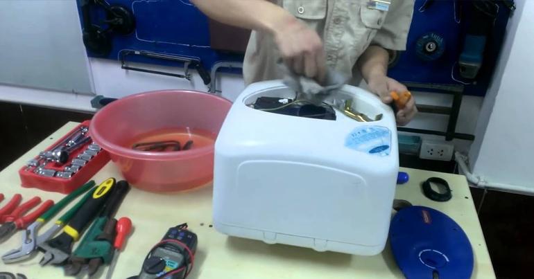 Nên vệ sinh và kiểm tra bình nóng lạnh định kỳ