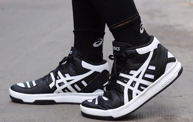 Chú ý chọn giày bóng chuyền phù hợp với kích cỡ của đôi chân bạn
