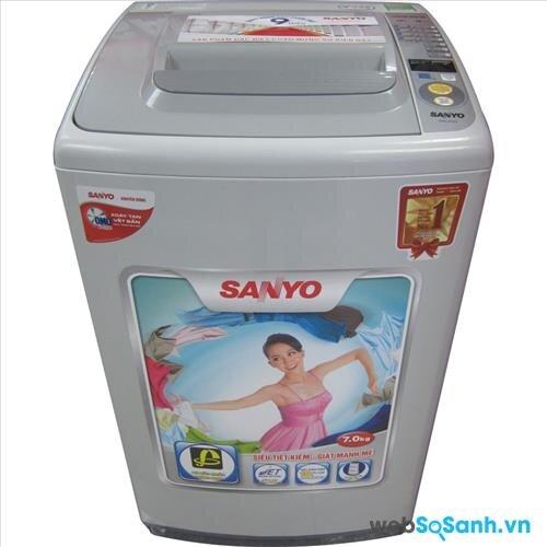 Máy giặt lồng đứng Sanyo khá phổ biến tại Việt Nam