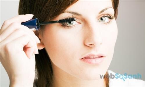 Chọn mascara cần xem dáng lông mi như thế nào