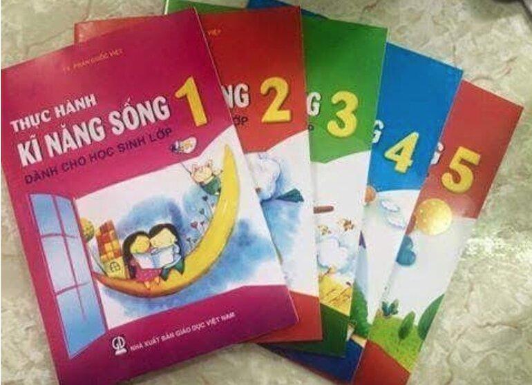 Sách kỹ năng sống lớp 1 cung cấp kiến thức sinh tồn cho trẻ