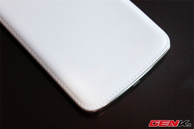 Galaxy Grand 2 & Lumia 1320: Kẻ tám lạng, người nửa cân