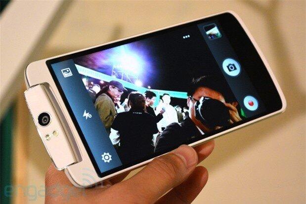 Những hàng độc smartphone gây bão trong năm 2013