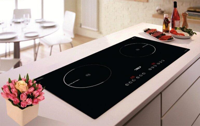 Bếp từ âm tiết kiệm diện tích cho không gian bếp (Nguồn: bepviet.vn)