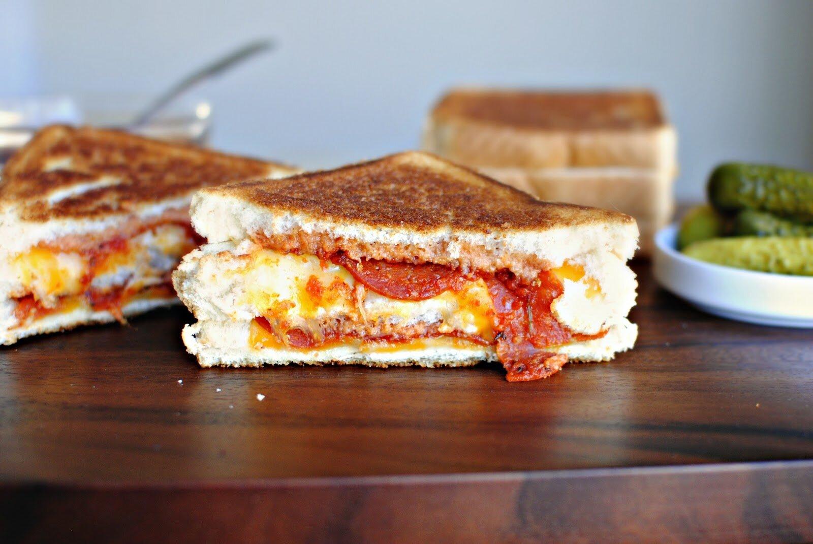 Sandwich phô mai