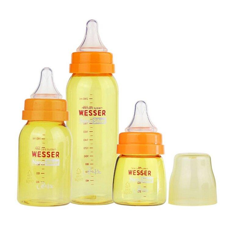 Thân bình sữa được làm từ chất liệu nhựa cao cấp PES
