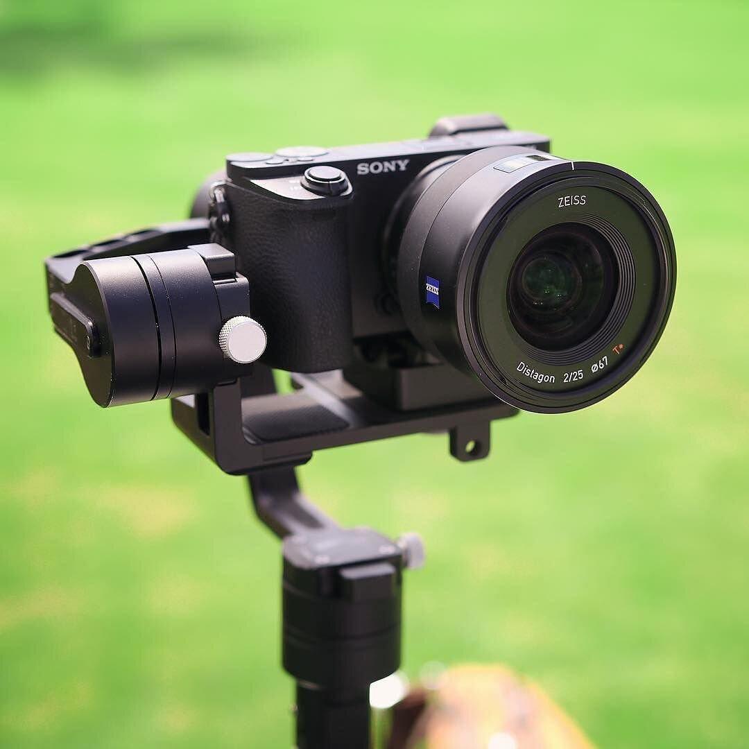 Có nên mua máy ảnh Sony không?