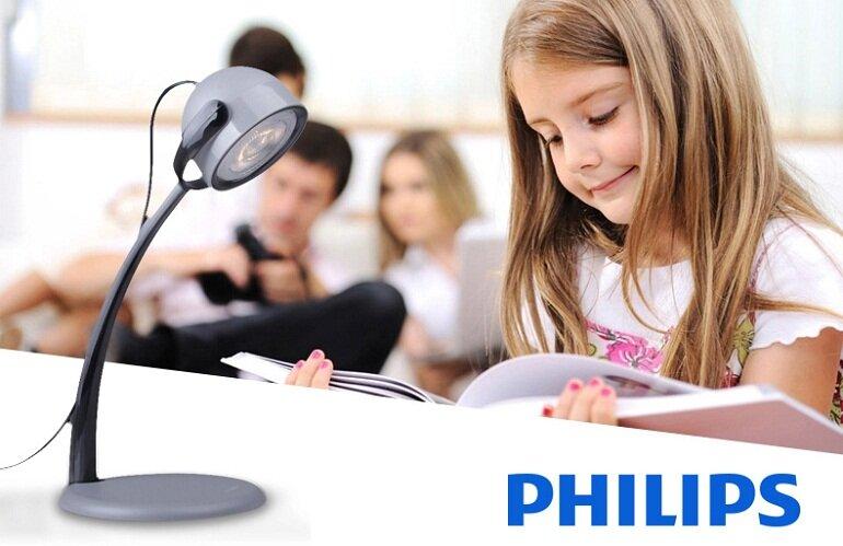 Đèn bàn học Philip giúp tiết kiệm nhiều điện năng tối đa