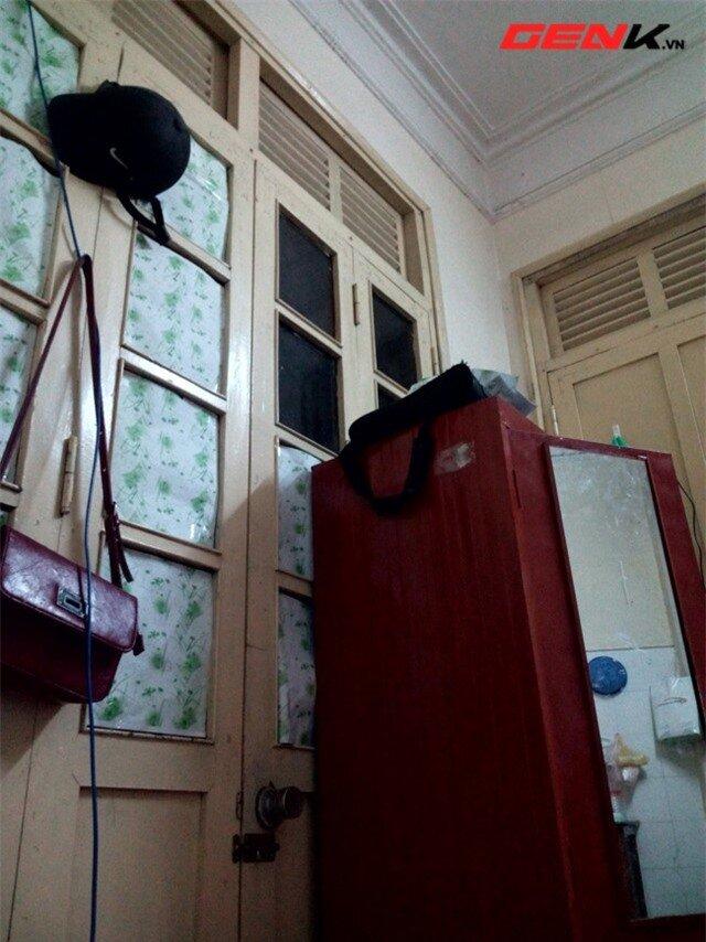Ảnh chụp trong nhà từ EIII.