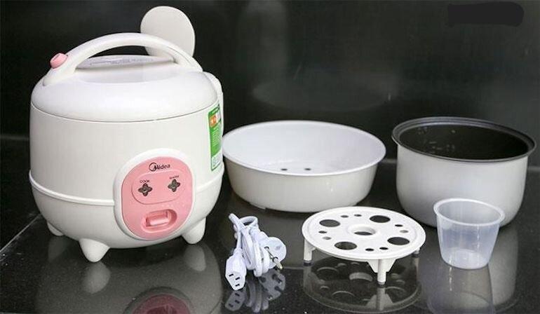 Nồi cơm điện mini phù hợp cho gia đình ít người