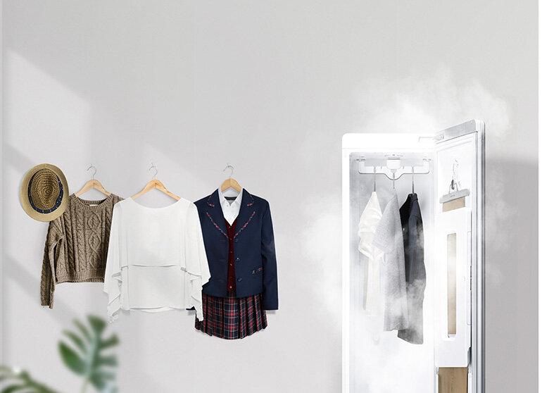 Hơi nước nóng sẽ khử vi khuẩn gây mùi một cách tối đa, trả lại vẻ thơm sạch cho trang phục và vật dụng của bạn