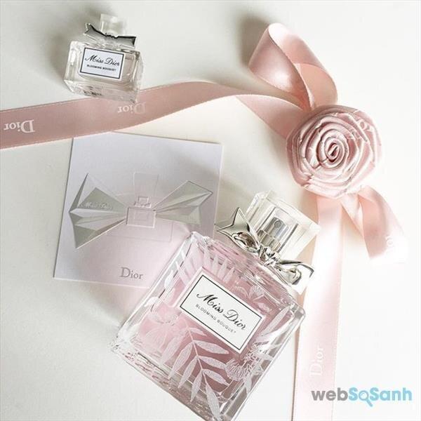 thiết kế của nước hoa nữ Blooming Bouquet