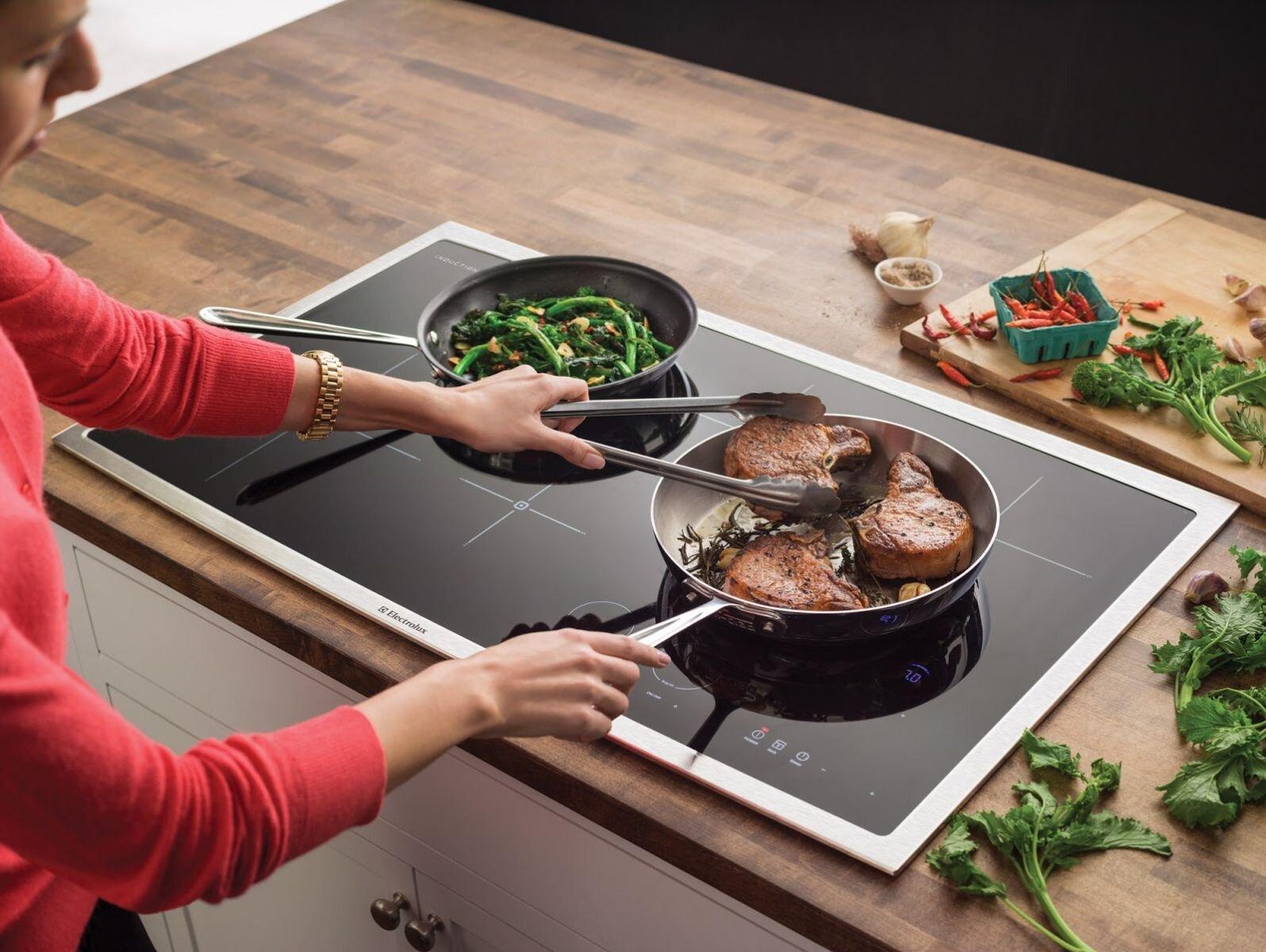 Bếp điện từ giúp công việc nấu ăn nhanh gọn, dễ dàng hơn