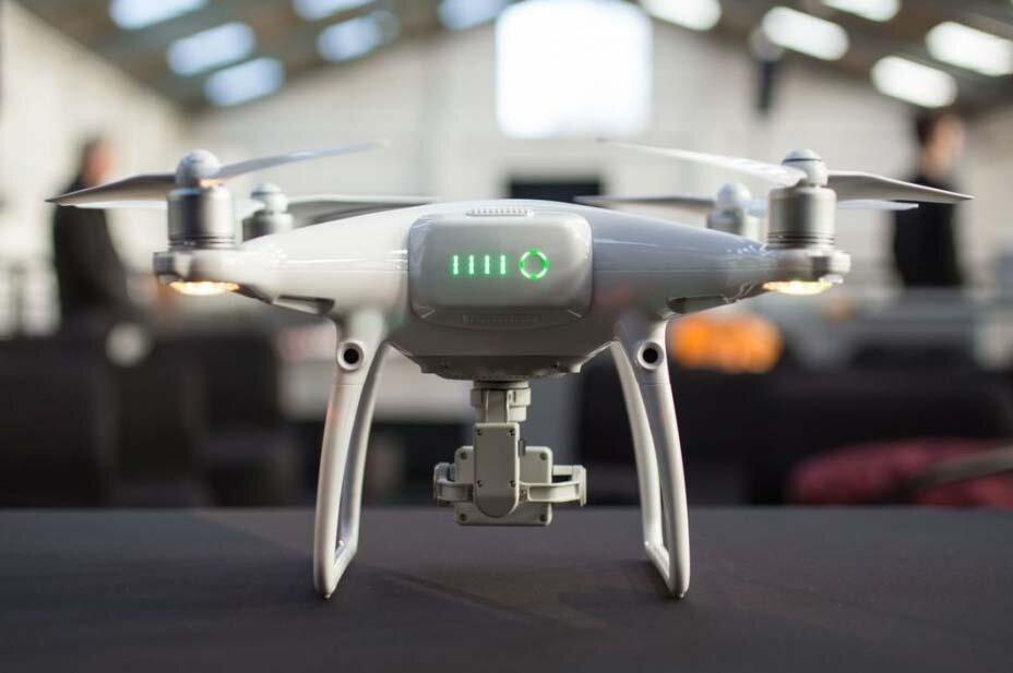 Người mới chơi nên mua flycam nào phù hợp