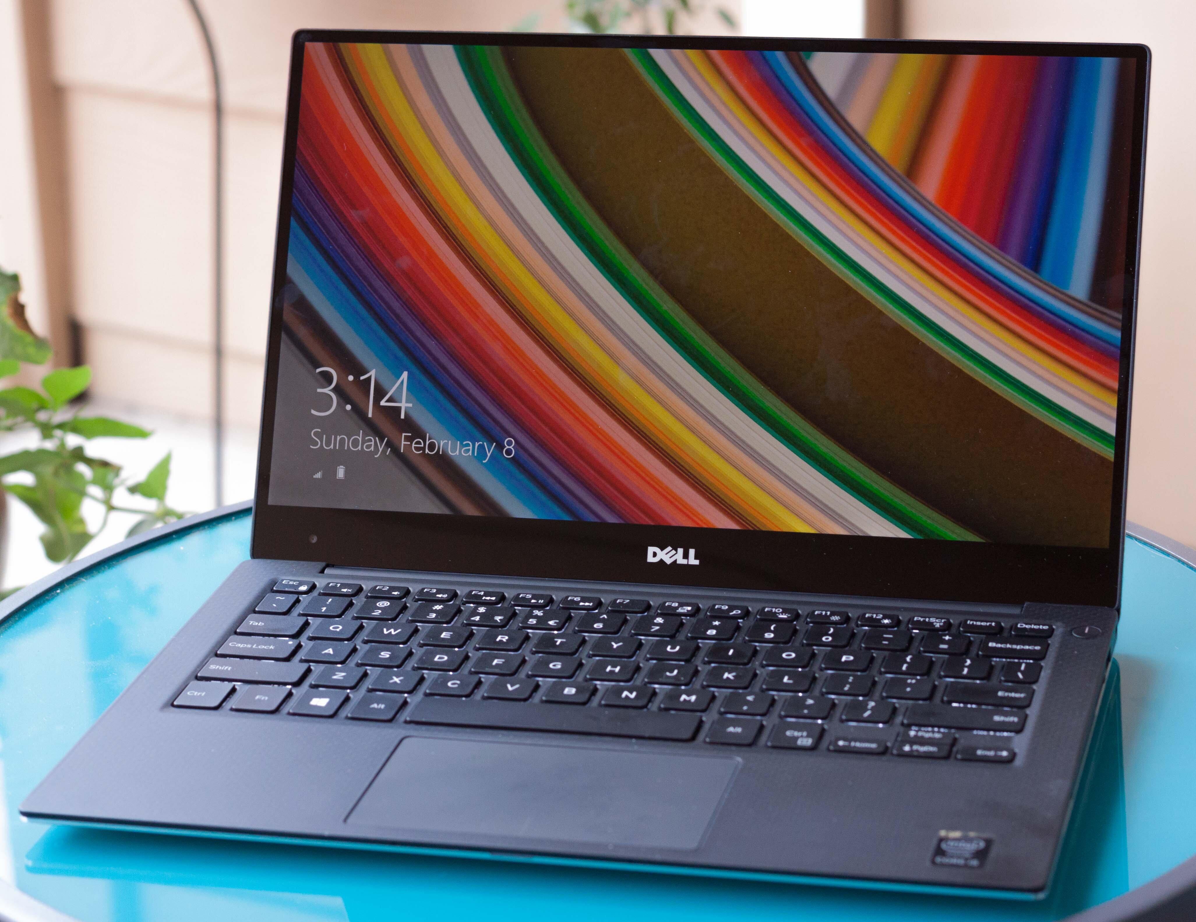 Laptop Dell XPS 13 có thiết kế mỏng, gọn, nhẹ