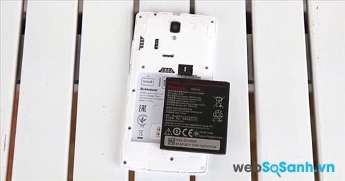 Lenovo A2010 được trang bị viên pin có dung lượng 2.000 mAh
