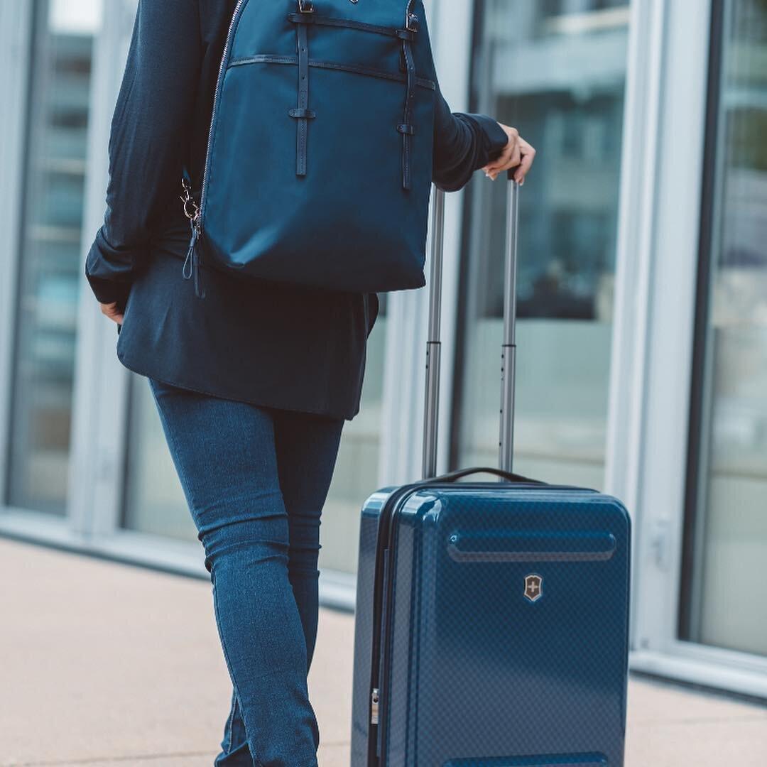 Trước khi mua bạn nên kiểm tra tay kéo vali cẩn thận