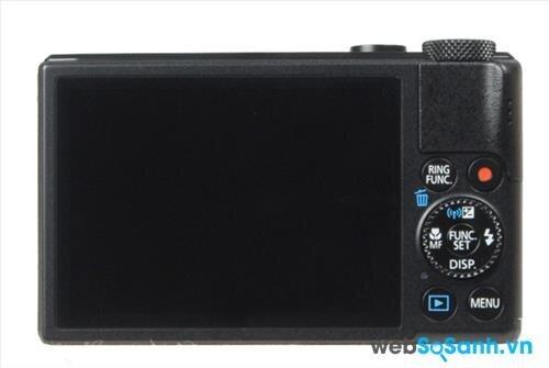 Khu vực nút điều chỉnh bên tay phải màn hình được giữ nguyên cách sắp xếp hợp lý giống thế hệ trước (S100)