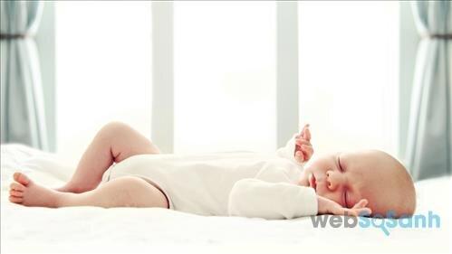 Áp dụng một trong những phương pháp này sẽ giúp bé ngủ mà không cần mẹ
