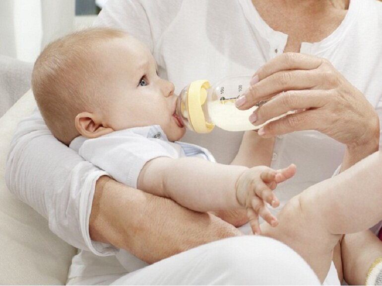 Vì sao mẹ nên chọn mua bình sữa Medela cho bé?