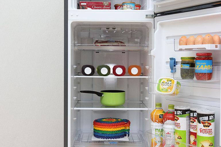 Tủ lạnh có kích thước vừa phải phù hợp với không gian căn hộ hiện đại (Nguồn: mediamart.vn)