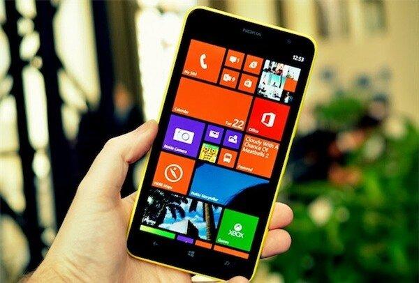 Lumia 1320 có khả năng hiển thị ngoài trời khá tốt