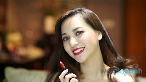 Nhìn chung son lì Sophia The 1st Ampoule Matte Lipstick tuy có giá rẻ nhưng trải nghiệm không tồi