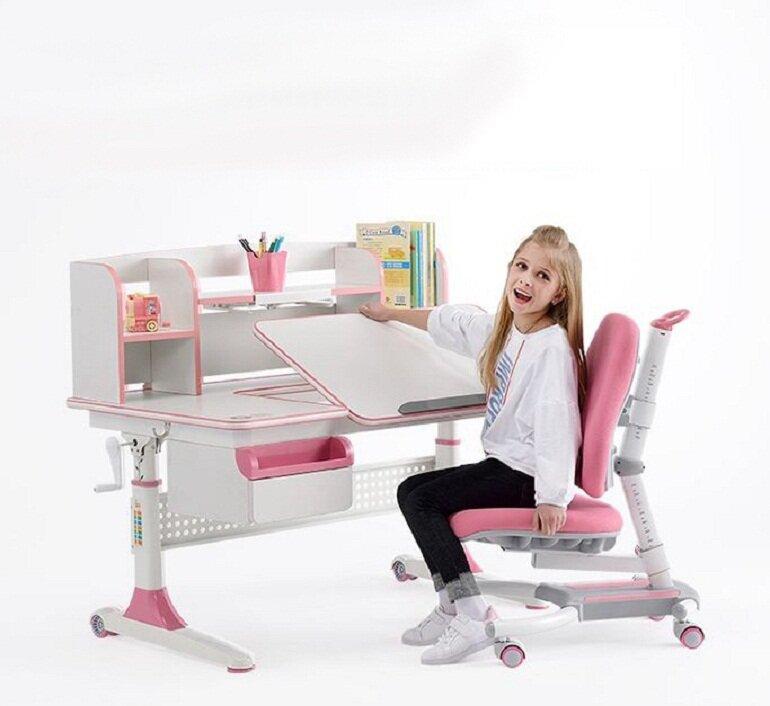Bàn học chống gù là loại bàn học có thiết kế thông minh và hiện đại