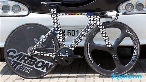 Chiếc xe do đội đua Bretagne-Séché Environnement sử dụng trong chặng 1 của Tour de France