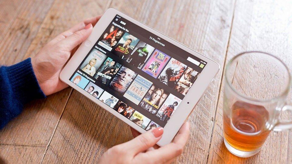Kiểm tra hình thức iPad Mini trước khi mua