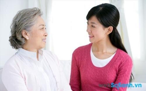 Cần tìm hiểu sở thích trước khi mua quà tặng 8/3 cho mẹ chồng tương lai