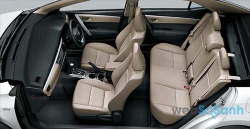 Khoang ngồi rộng rãi trên Corolla Altis 2016