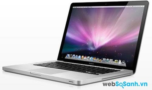 Chiếc MacBook Pro 13 inch với Retina