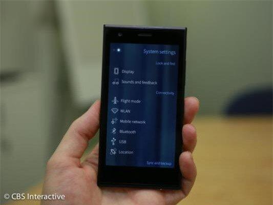 Cận cảnh smartphone đầu tiên chạy hệ điều hành Sailfish OS-image-1385800070046