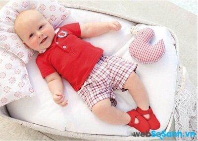 Áo phông và quần đùi cho bé
