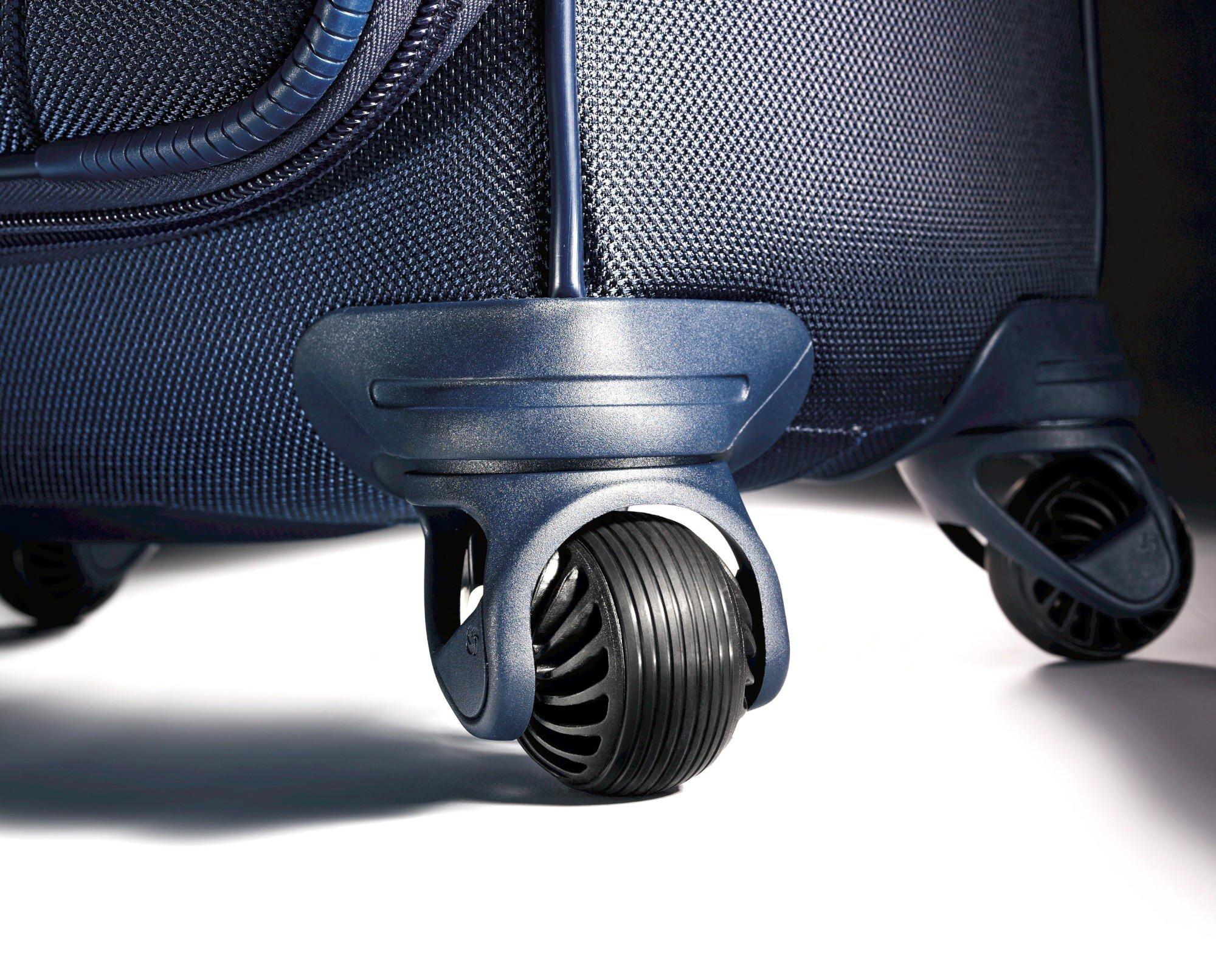 Việc quyết định vali 2 bánh hay 4 bánh tùy thuộc vào nhu cầu sử dụng của bạn