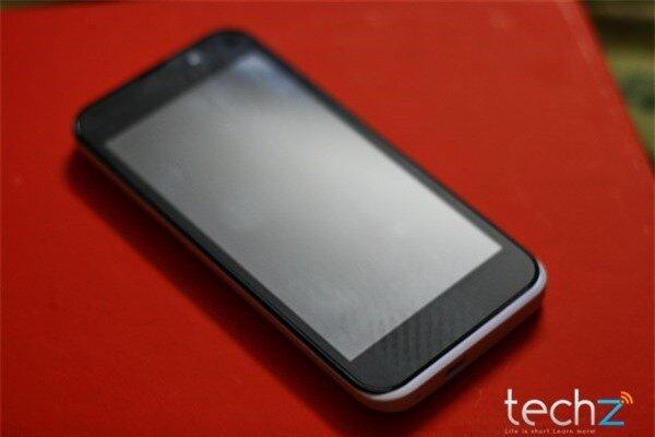 Đánh giá nhanh HKPhone Racer: Điện thoại bình dân giá rẻ-image-1386343147222