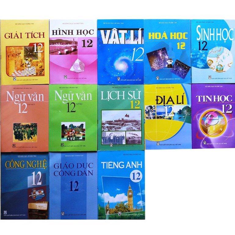 Lưu ý tập trung vào tất cả các phần kiến thức của sách giáo khoa lớp 12