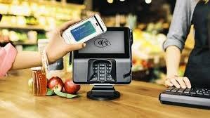 Với Apple Pay bạn thanh toán chỉ bằng việc đưa điện thoại qua máy quét