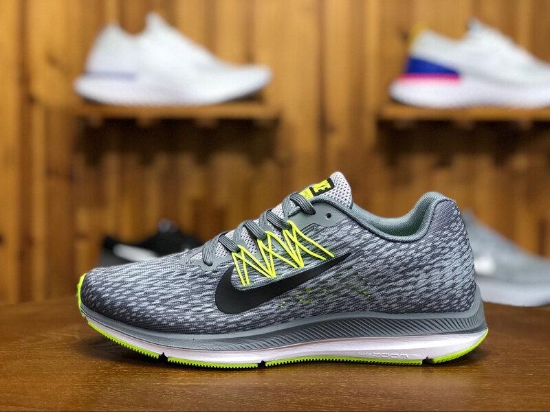 Thương hiệu thời trang Nike nổi tiếng thế giới